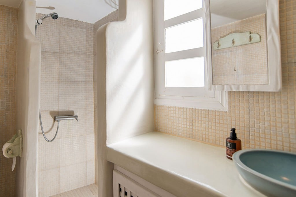 Bathroom | Hideaway Cave House | Vip Suite Santorini | Imerovigli