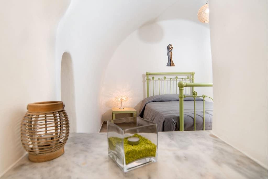 Bedroom | Hideaway Cave House | Vip Suite Santorini | Imerovigli