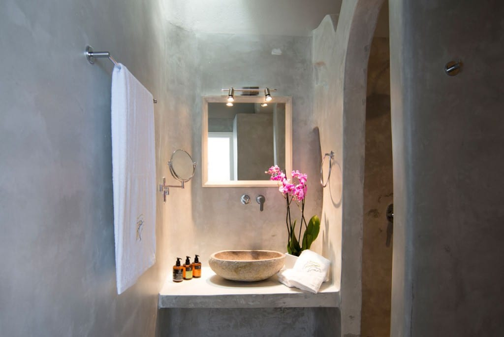 Bathroom | Villa with Private Pool Santorini | Megalochori