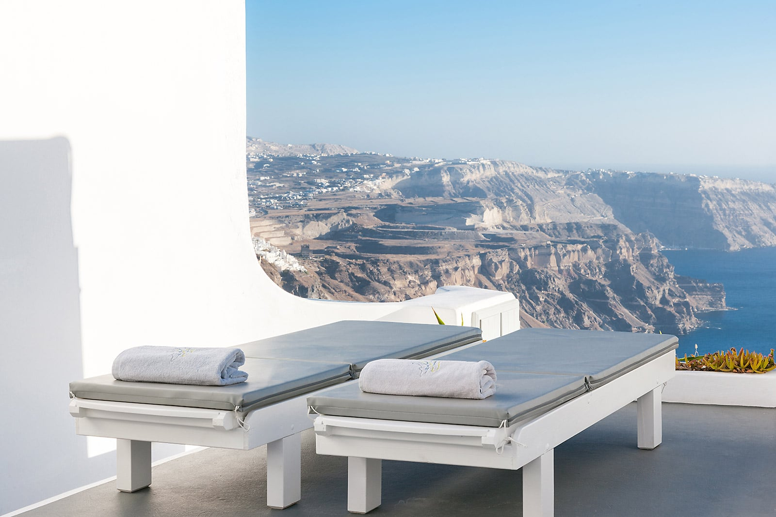 Santorini Villas with private Jacuzzi