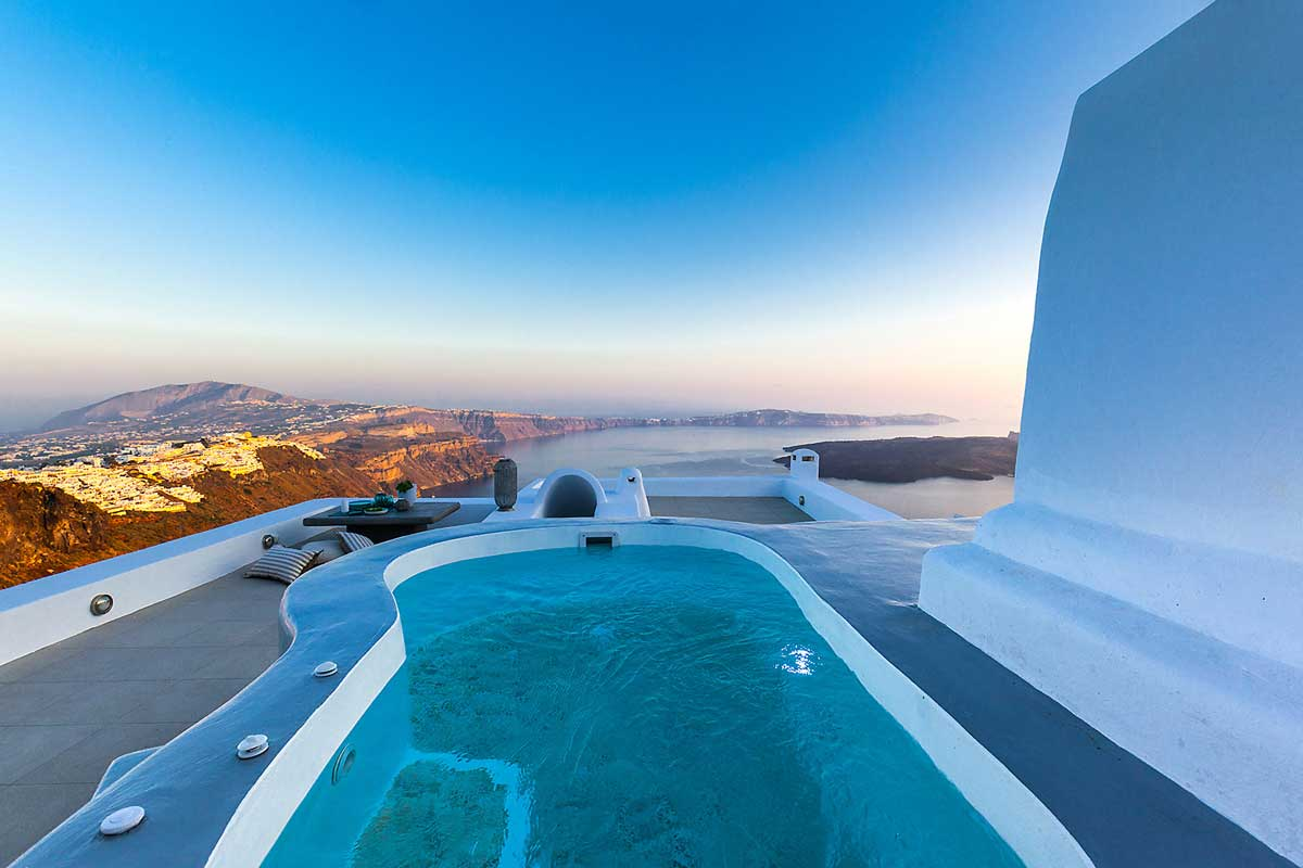 Luxury villa with infinity pool Santorini