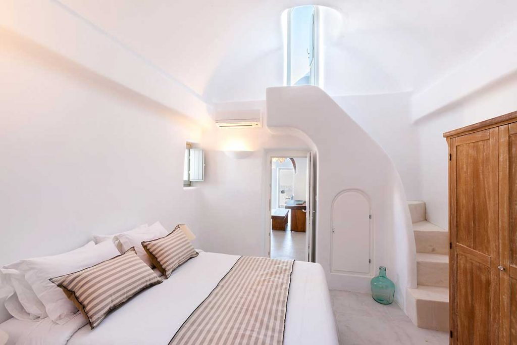Exceptional Confortable Luxury Villa Santorini Bedroom