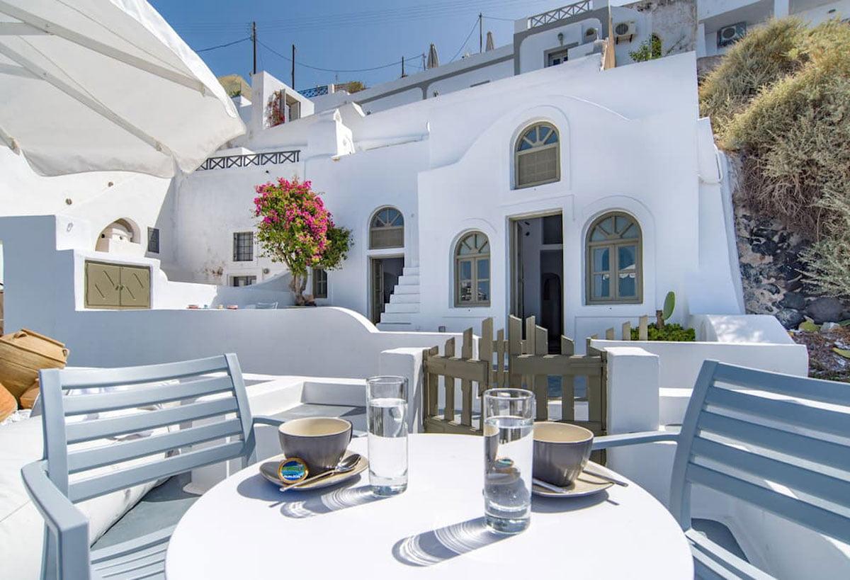 Chess House with Private Veranda – Imerovigli