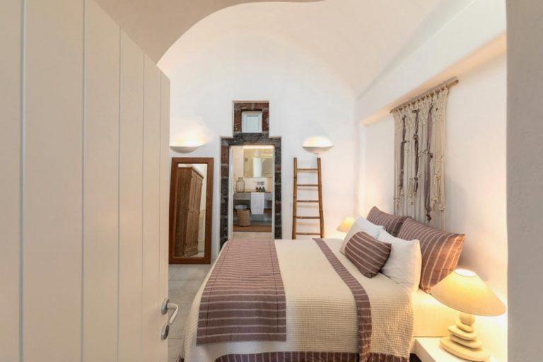 pura vida villa house luxury suites santorini 15