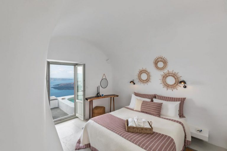 pura vida villa house luxury suites santorini 26