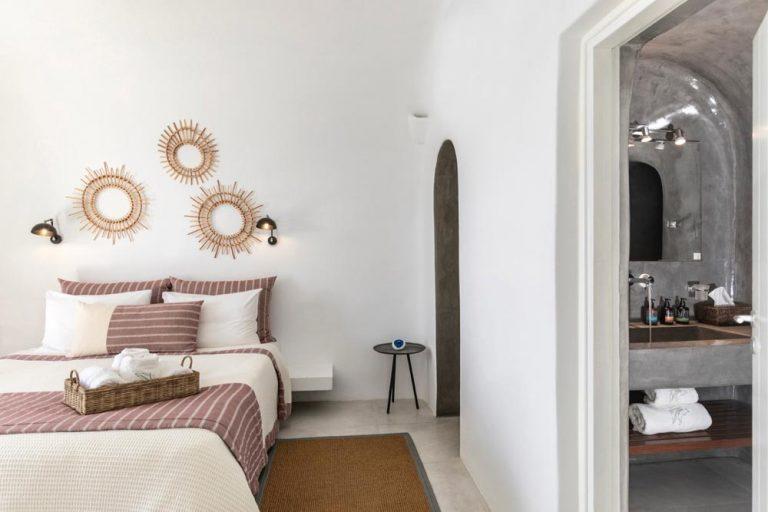 pura vida villa house luxury suites santorini 27