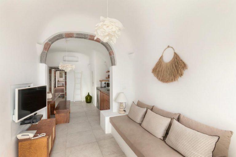 pura vida villa house luxury suites santorini 30