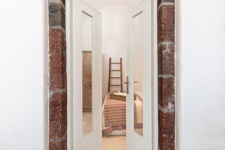 pura vida luxury accommodation santorini 2