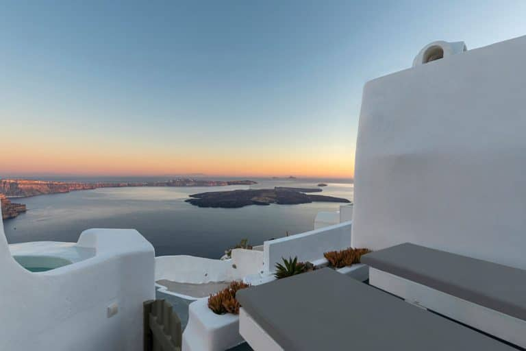 pura vida luxury accommodation santorini 20