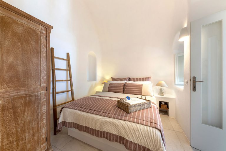 pura vida luxury accommodation santorini 3