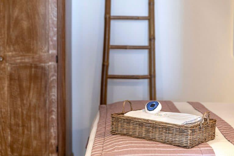 pura vida luxury accommodation santorini 5